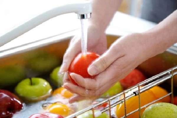 Мытье овощей и фруктов