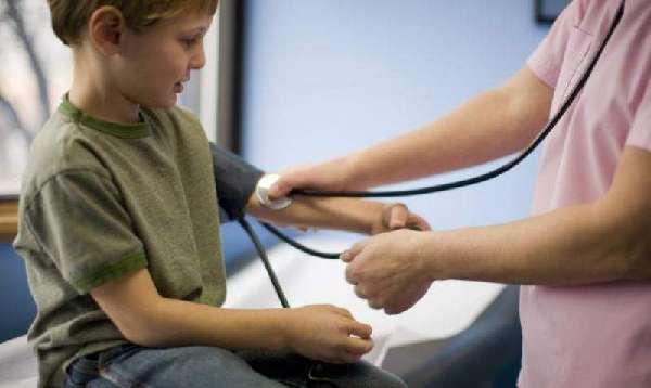 Замер пульса у ребенка