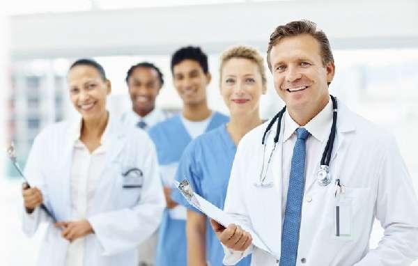 Много врачей