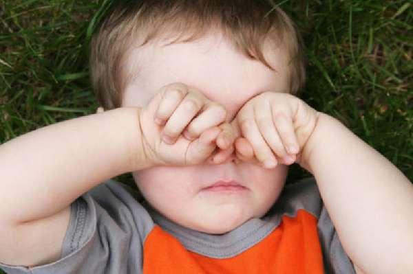занесения инфекции в глаза грязными руками