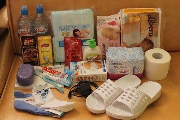Для роддома готовим 3 пакета: в родильный зал, послеродовую палату и на выписку.
