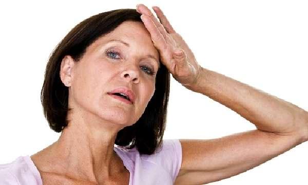 Головная боль - один из симптомов воспаления околоносовых пазух