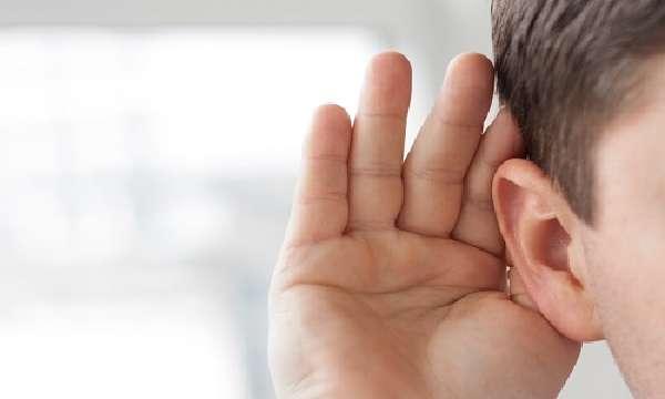 Проблема серных пробок в ухе